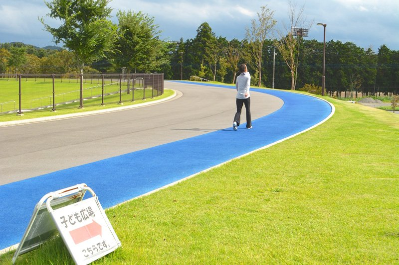 「陸上競技場の外周ランニングコース」